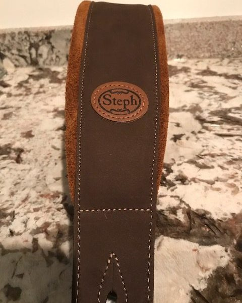 Steph GT109BRN/HNY Soft Padded Leather/Suede Guitar Strap