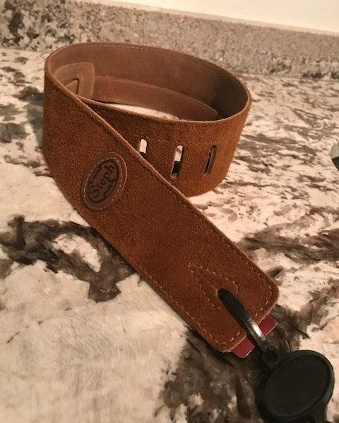 Steph SH-104 Honey Suede Guitar Strap
