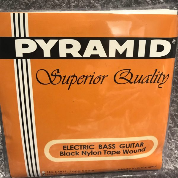 Pyramid Black Nylon Tape wound short scale