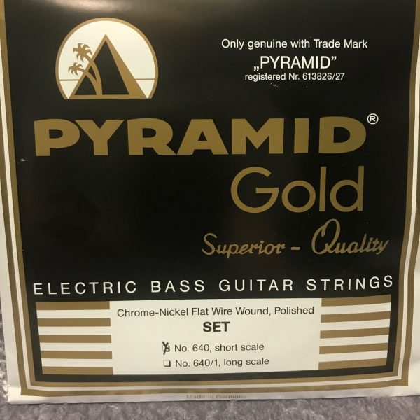 Pyramid Gold 640 chrome nickel flat wound short scale