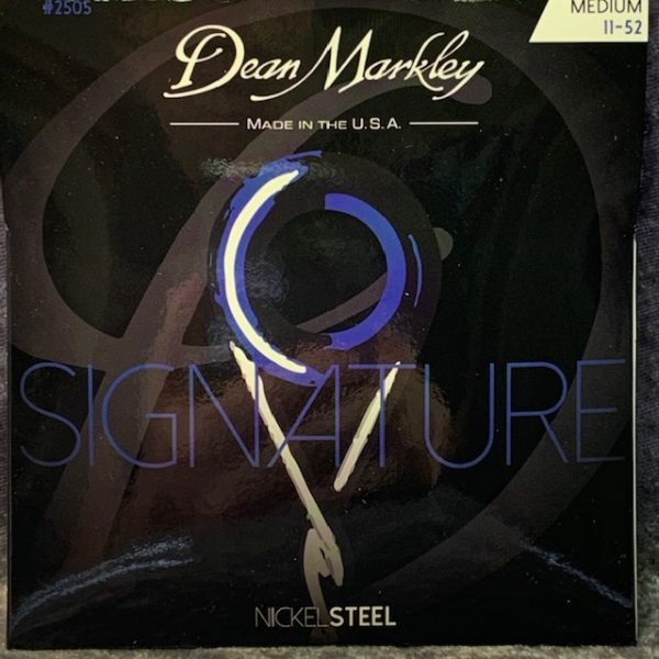 Dean Markley Signature electric guitar strings 11-52